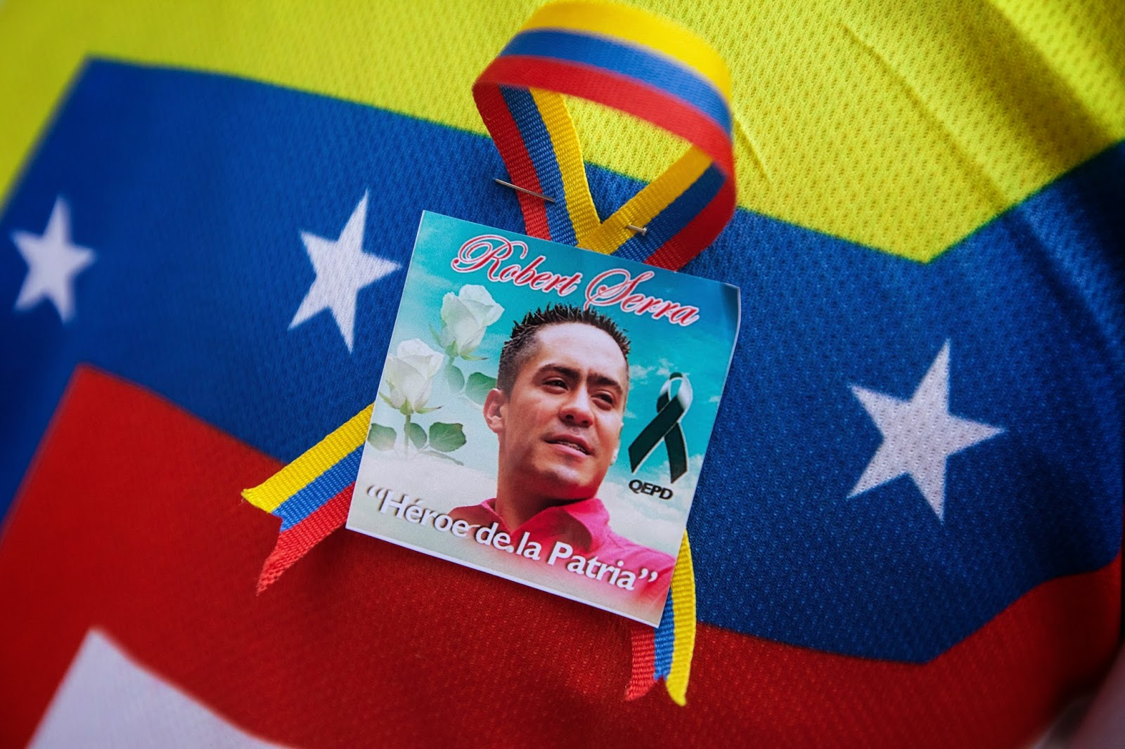 Evidence suggests Colombian Paramilitaries were involved in the assassination of Robert Serra