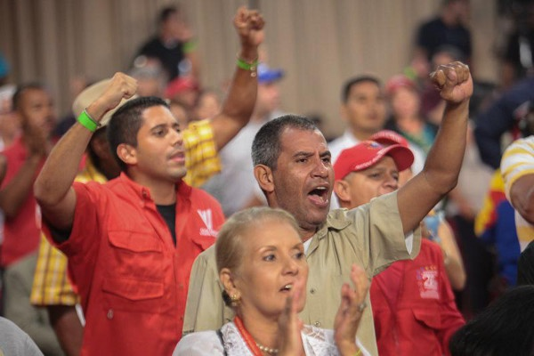 Workers and PSUV members celebrate creation of Workers Bank